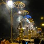 Ganga aarti  jest bardzo widowiskowa, można powiedzieć, że wręcz magiczna.