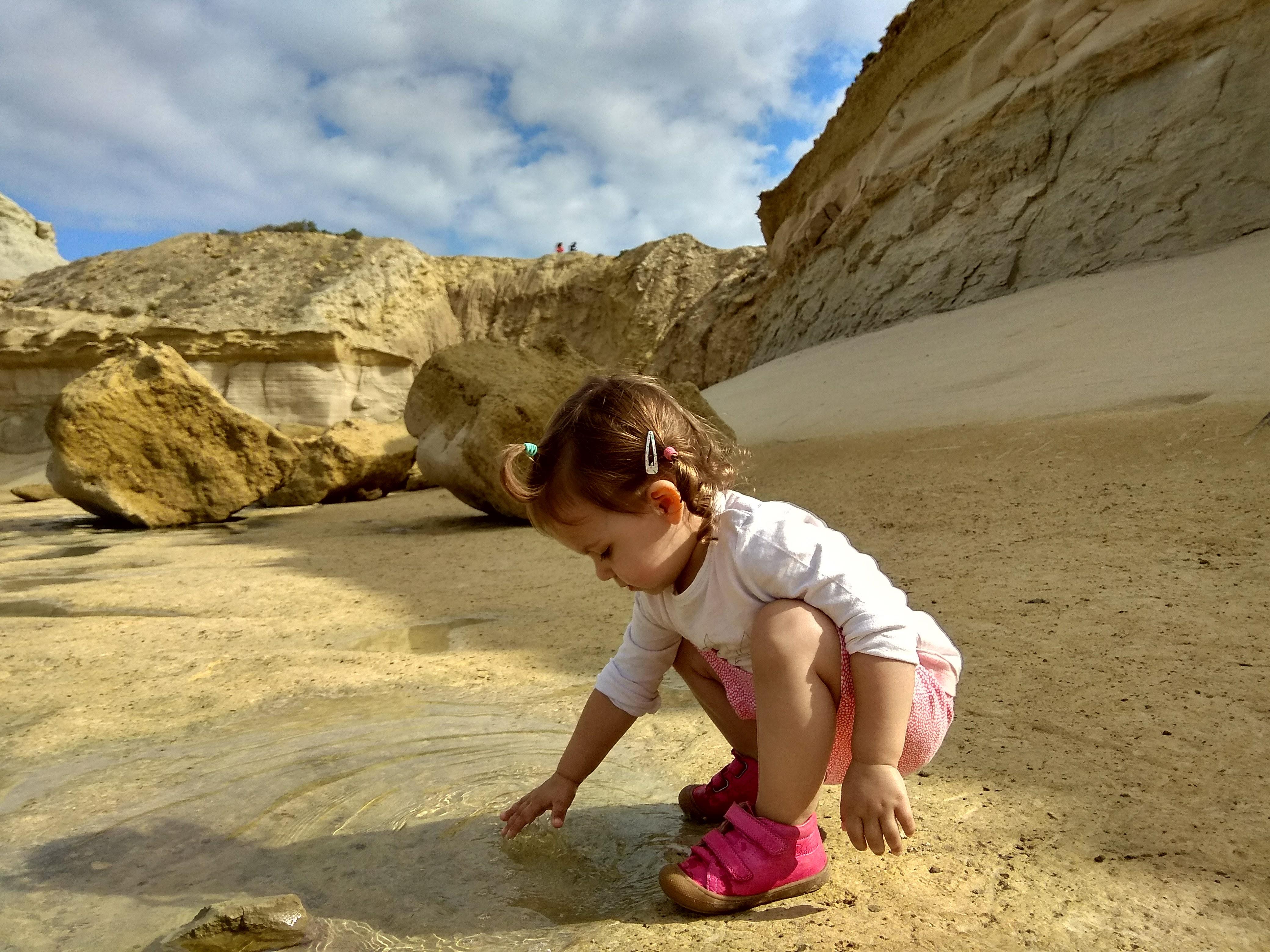 malta plaża z dzieckiem