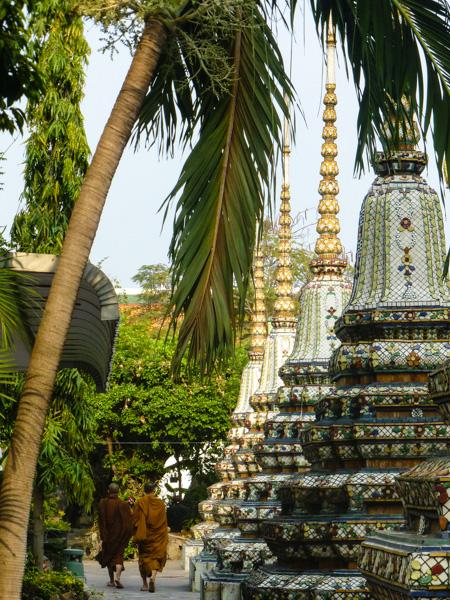 mnich bangkok