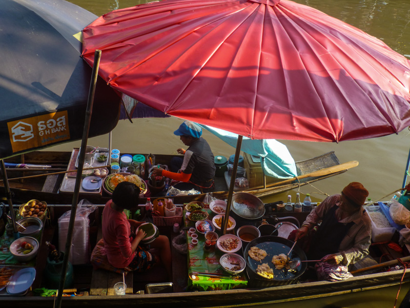 plywajacy rynek w tajlandii