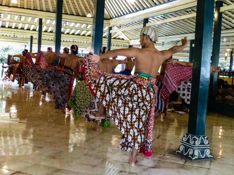 tradycyjny taniec jawa