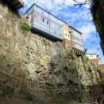 Zabudowa centrum Tbilisi jest bardzo różnorodna i urzekająca.