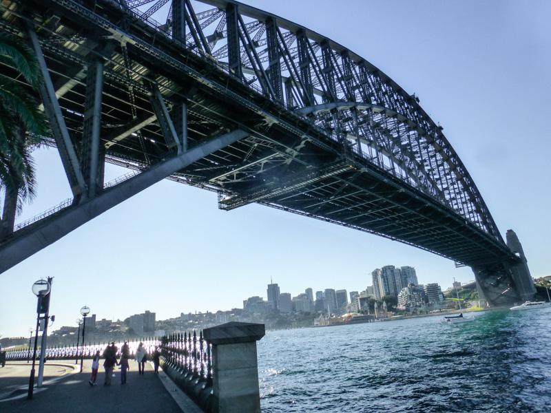 most z bliska