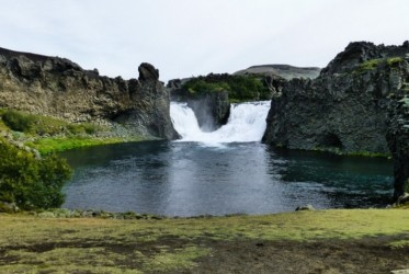 Będąc już prawie u celu, natrafiliśmy na taki oto uroczy wodospad.